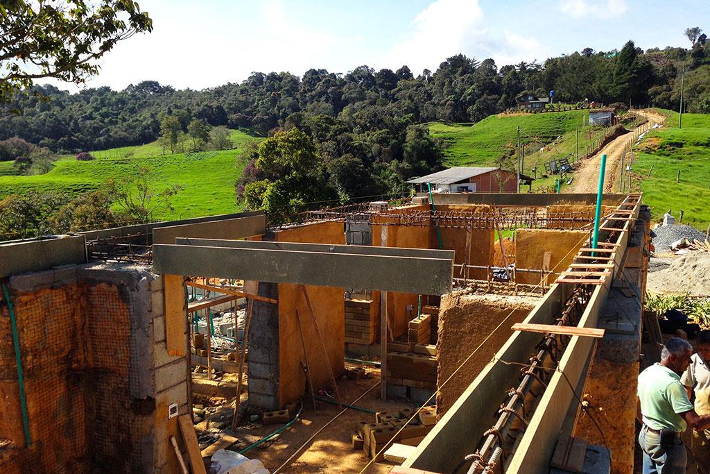 Proceso de recuperación de la Casa en tapia de La Colmenera (Febrero, 2019)