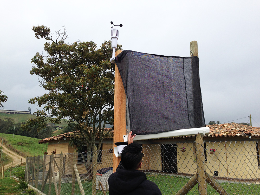 Adapting a 'Nebulómetro' at La Colmenera